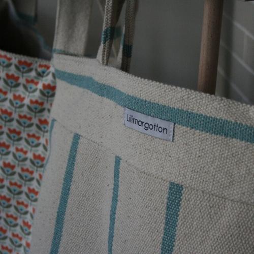 lilimargotton-eshop-cabas-Madeleine-coton-recyclage-upcycling-bleu-fleurs-70-esprit-vintage